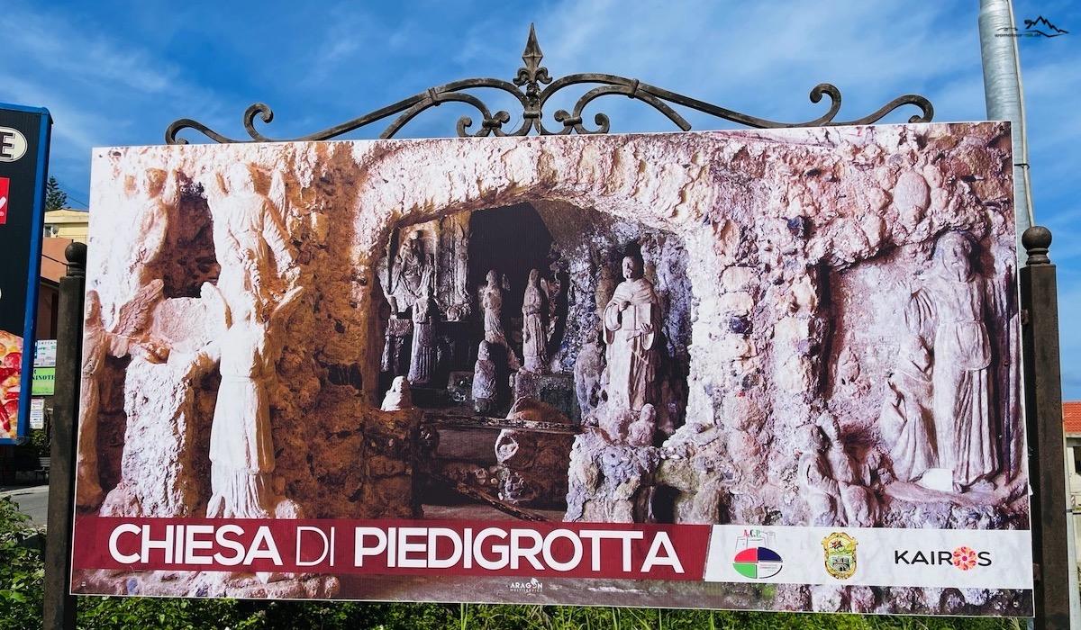 Read more about the article Chiesetta di Piedigrotta – Grottenkirche im Fels
